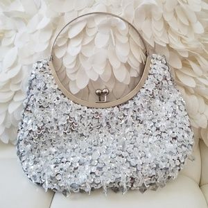 Handbags - GORGEOUS CRYSTAL CLUTCH PURSE NWOT